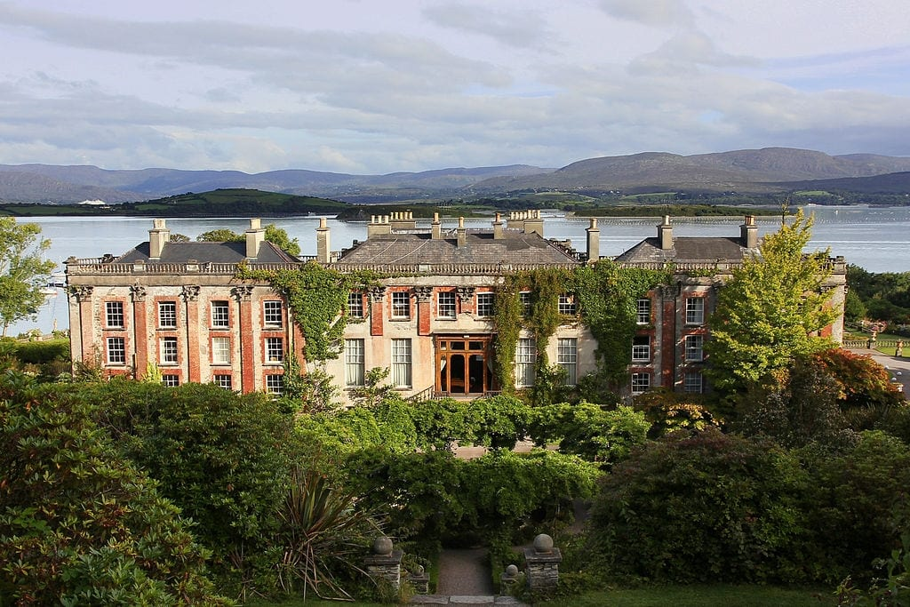 Bantry House. Image Source: Jörg Bittner Unna on Wikimedia Commons