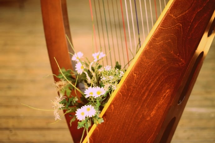Harp with Flowers. Image Source: Godsgirl_madi, Pixabay